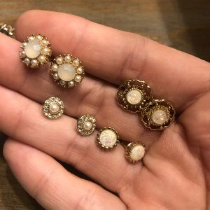 Bundle of 5 gold stud earrings